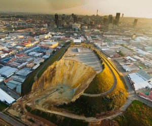 South Africa gold companies face massive lung disease suit