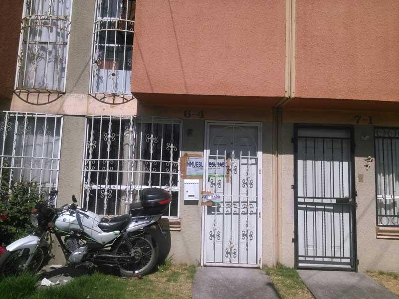 Inmueble asegurado en el Fraccionamiento Héroes donde fue encontrado medicamento robado y un millón de pesos en efectivo.