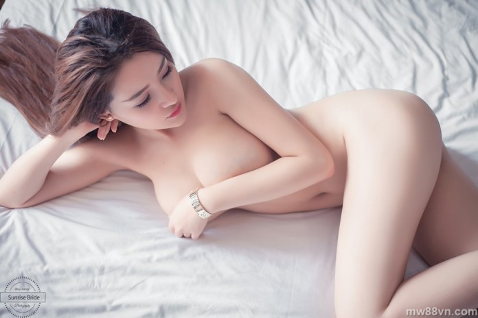 top hot girl bán nude khoe vòng 1 siêu khủng cực kích thích