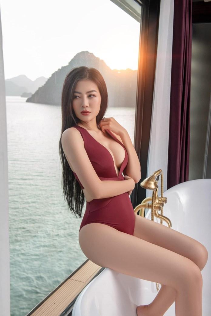 Diễn viên Thanh Hương tung bộ ảnh bikini hở bạo đúng chất Lan Cave