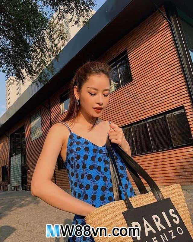 Hot girl Chi Pu đăng ảnh bán khỏa thân mừng năm mới 2020