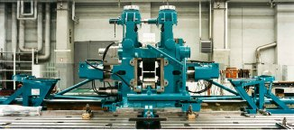 Universal mill stand in roll changing device