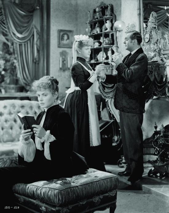 still-of-ingrid-bergman,-charles-boyer-and-angela-lansbury-in-gaslight-(1944)-large-picture