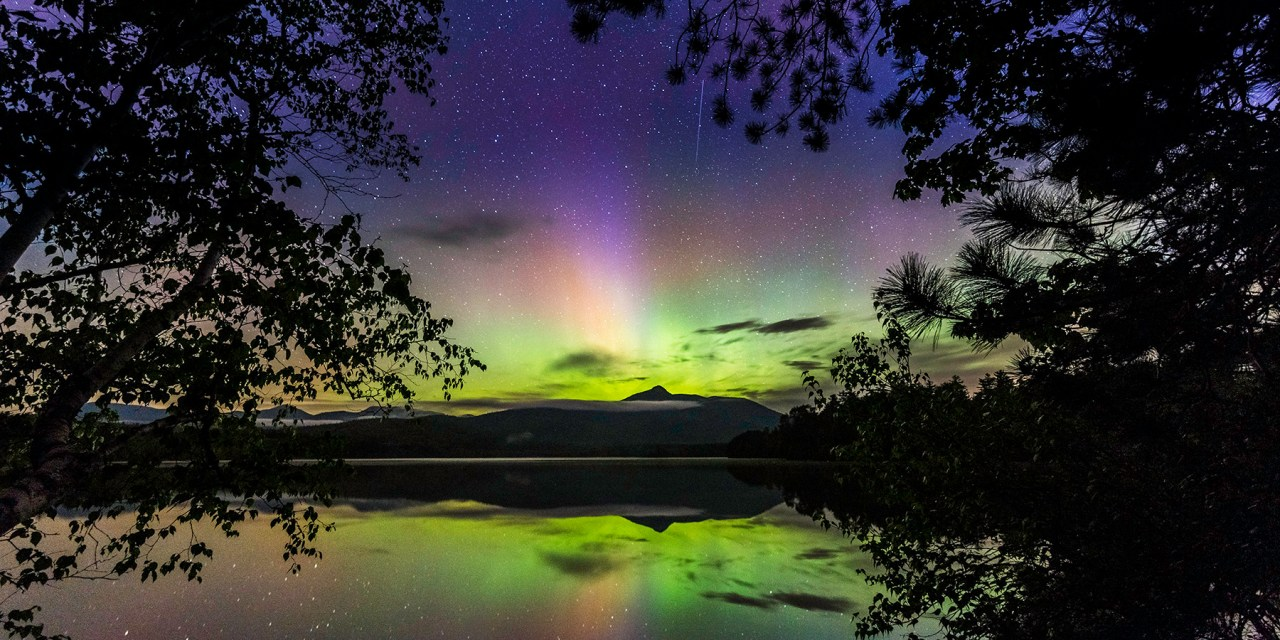 How to See and Capture the Northern Lights over Mt Washington Valley