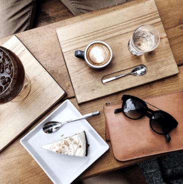 Entrevista LentesWorld a Adriana Gastélum blogger de Fake Leather   Lentes de sol Italia   Independent Fake Leather