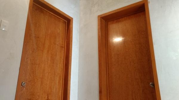 Foto Puertas Tambor Lisas de Carpintera y Barniz DM