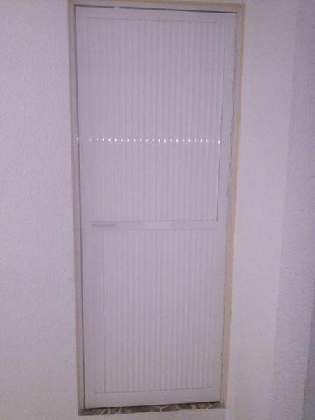 Foto Puerta para Bao de Vidrieria y Canceleria de Aluminio 71988  Habitissimo