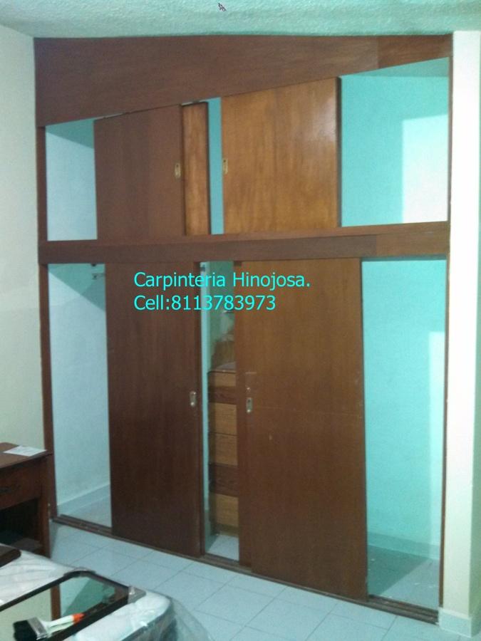 Foto Closet Con Puertas Corredizas Arriba Y Abajo De