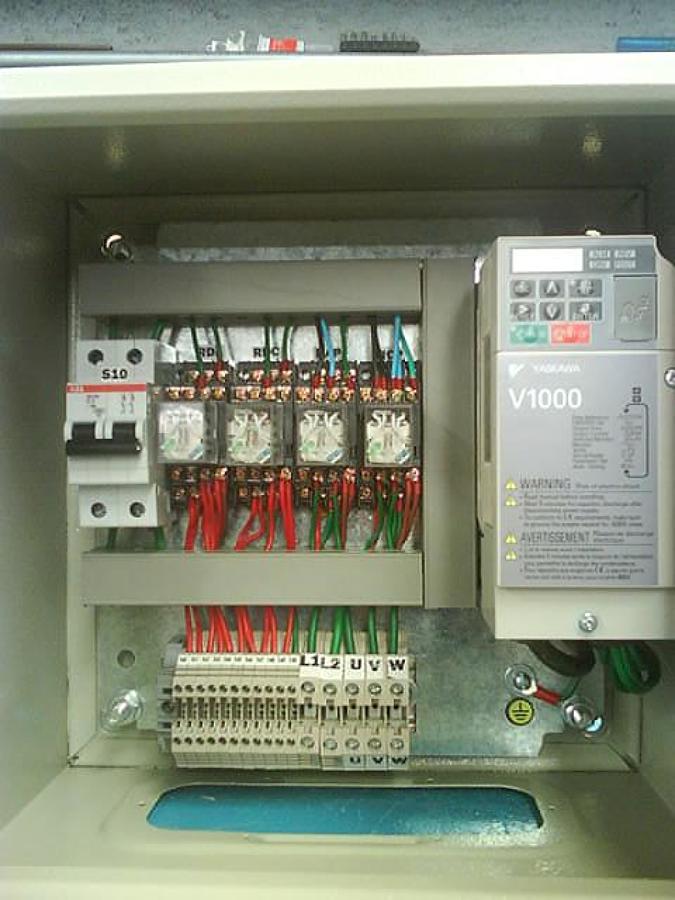 Foto Tablero de Control con Variador de Xpress Elevadores