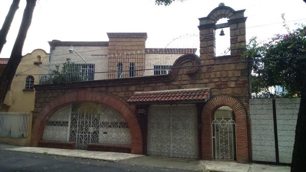 Foto Fachada con Arcos y Espadaa de STTRUKMAN 137702
