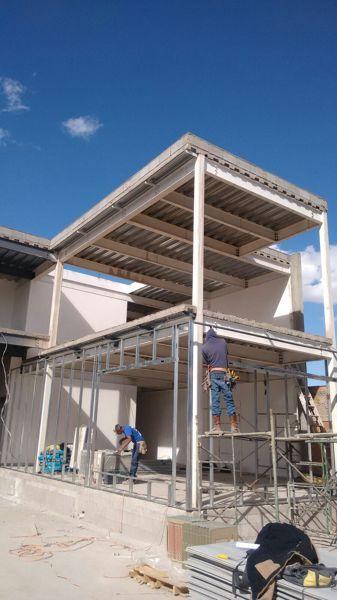 Foto Instalacion Estructura Metalica para Panel Durock