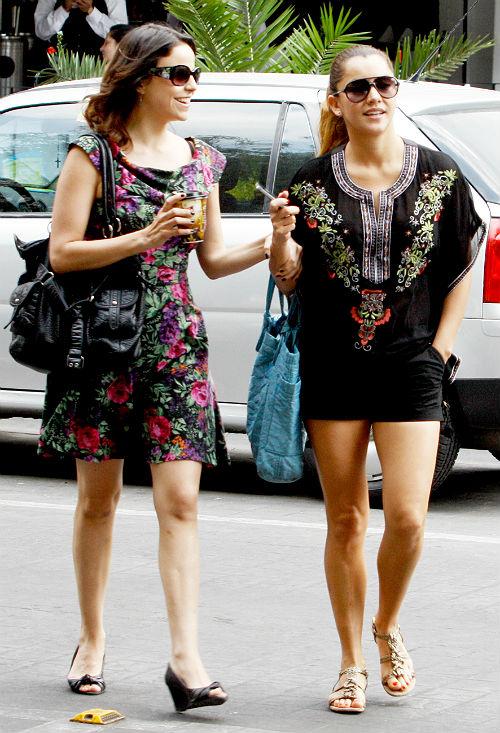 Sara Maldonado y Alejandra Ambrosi las amigas presumen