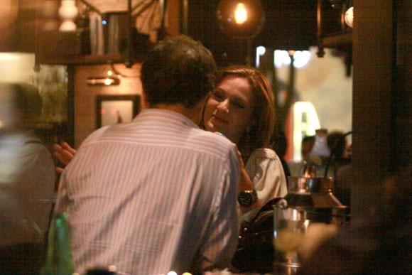 Mariana Seoane y Antonio Hogaza hermano de Lucero abrazos gran complicidad e interminables confidencias