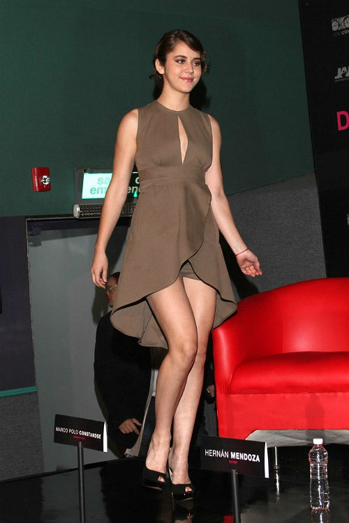 Ellas lucen piernas en otoo Sara Maldonado Eiza Gonzlez y Tessa Ia se apuntan a los mini shorts y mini vestidos