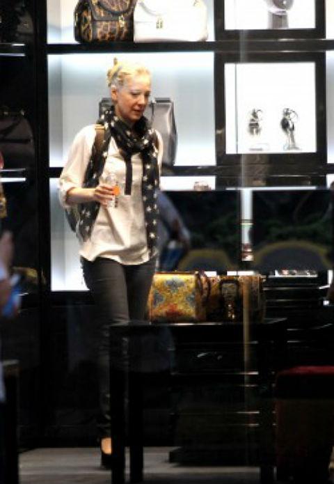 El street style de Edith Gonzlez en una tarde de compras
