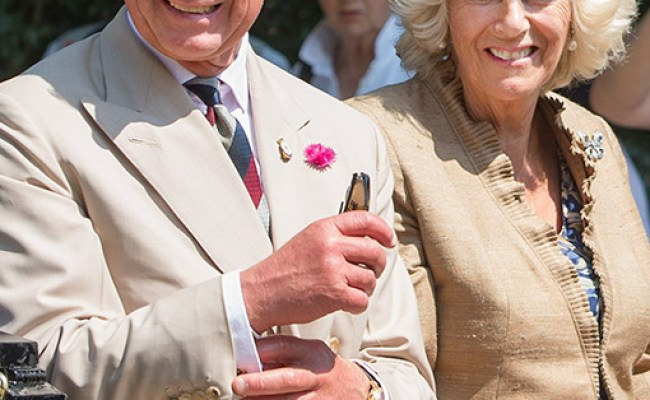 El Príncipe Carlos De Inglaterra Y Su Esposa Llegarán A