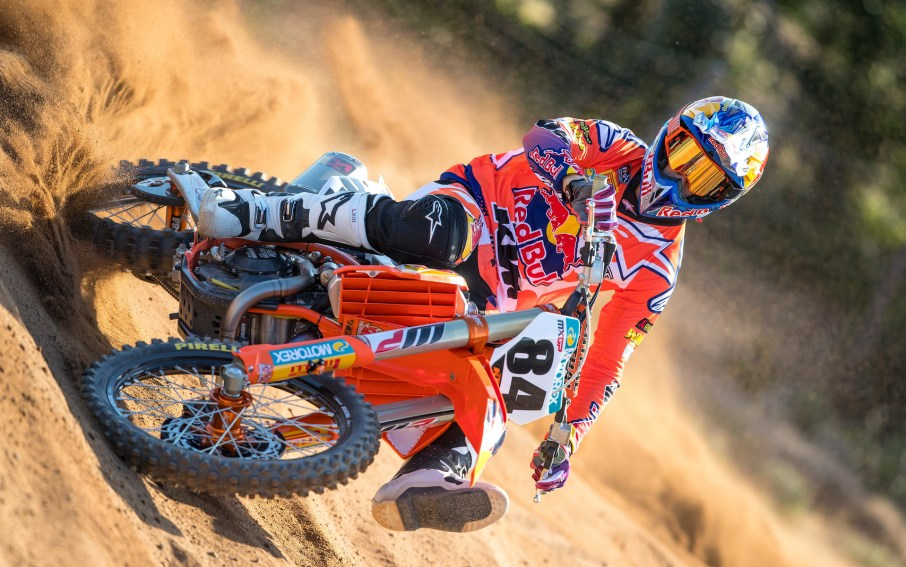 220306_Herlings_2018_KTM_action_RA_1794.jpg#asset:4690