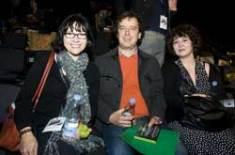 Alicien Schneider (NBC Universal - US) og Lisa Marxen (MXD - DK) og Laurence Bell (Domino Records - UK)
