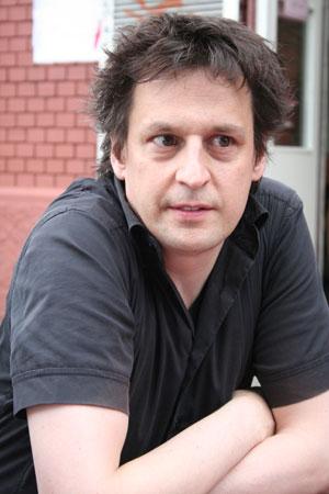 Jean Zuber - mener at Schweiz (langt om længe) er ved at få skabt sig en professionel musikindustri.