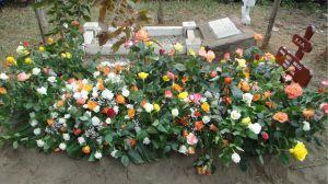4 grave