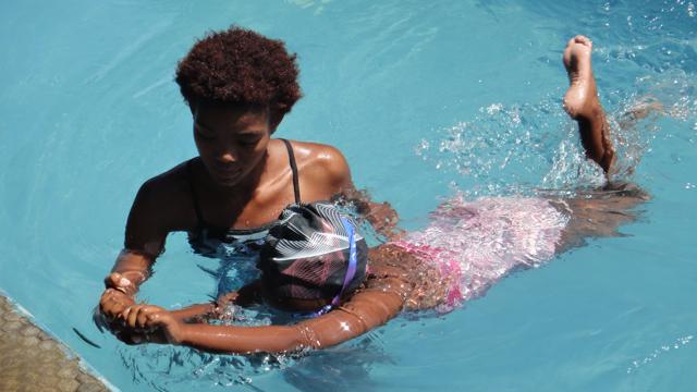2015-25 1 Joy nd Tabi swimming lesson