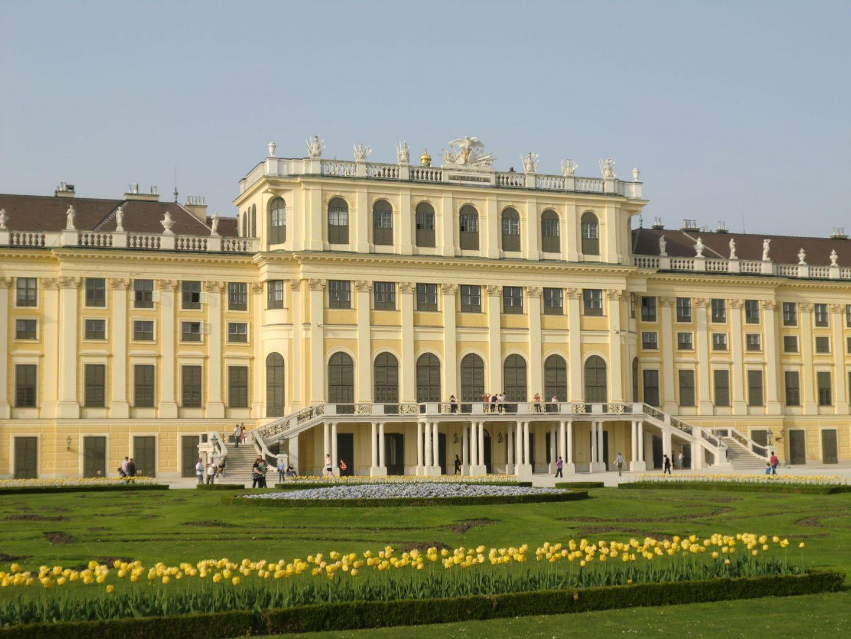 Vienna Schönbrunn 27 1 1440x1080 - Vienna: elegant beauty
