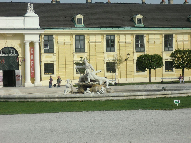 Vienna Schönbrunn 4 1440x1080 - Vienna: elegant beauty