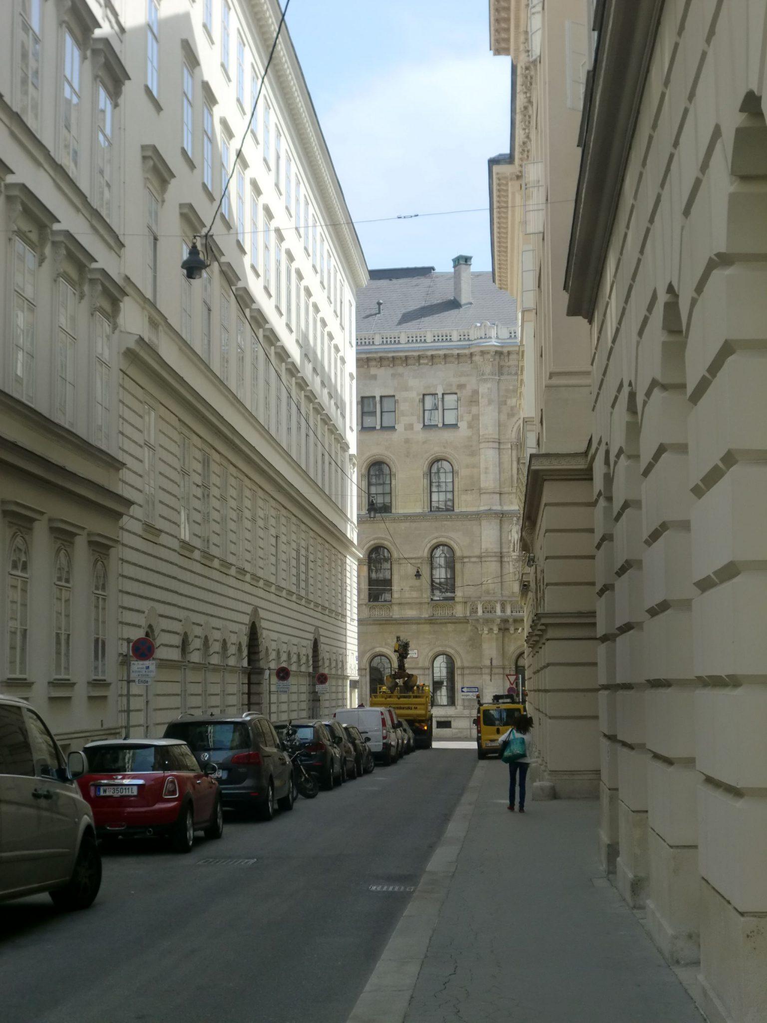 Vienna architecture 10 1440x1920 - Vienna: elegant beauty