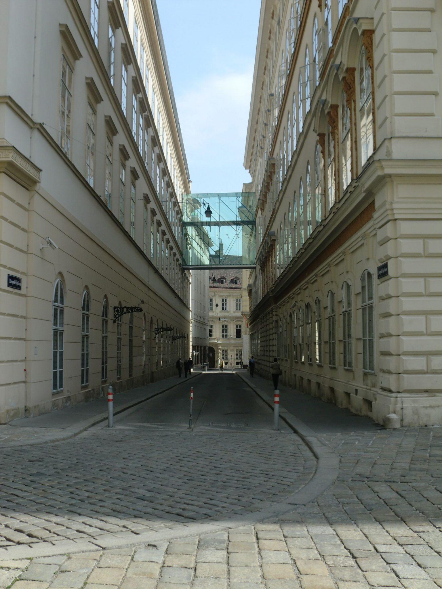Vienna architecture 6 1440x1920 - Vienna: elegant beauty