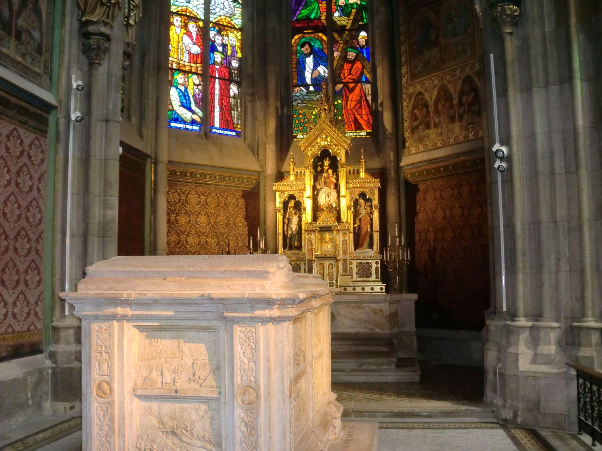 Vienna cathedral 18 1440x1080 - Vienna: elegant beauty