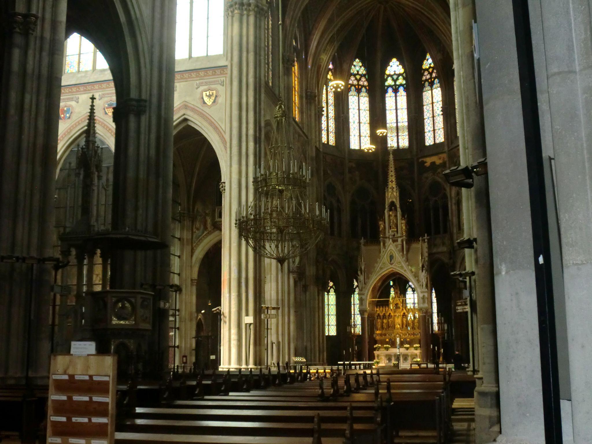 Vienna cathedral 9 1440x1080 - Vienna: elegant beauty