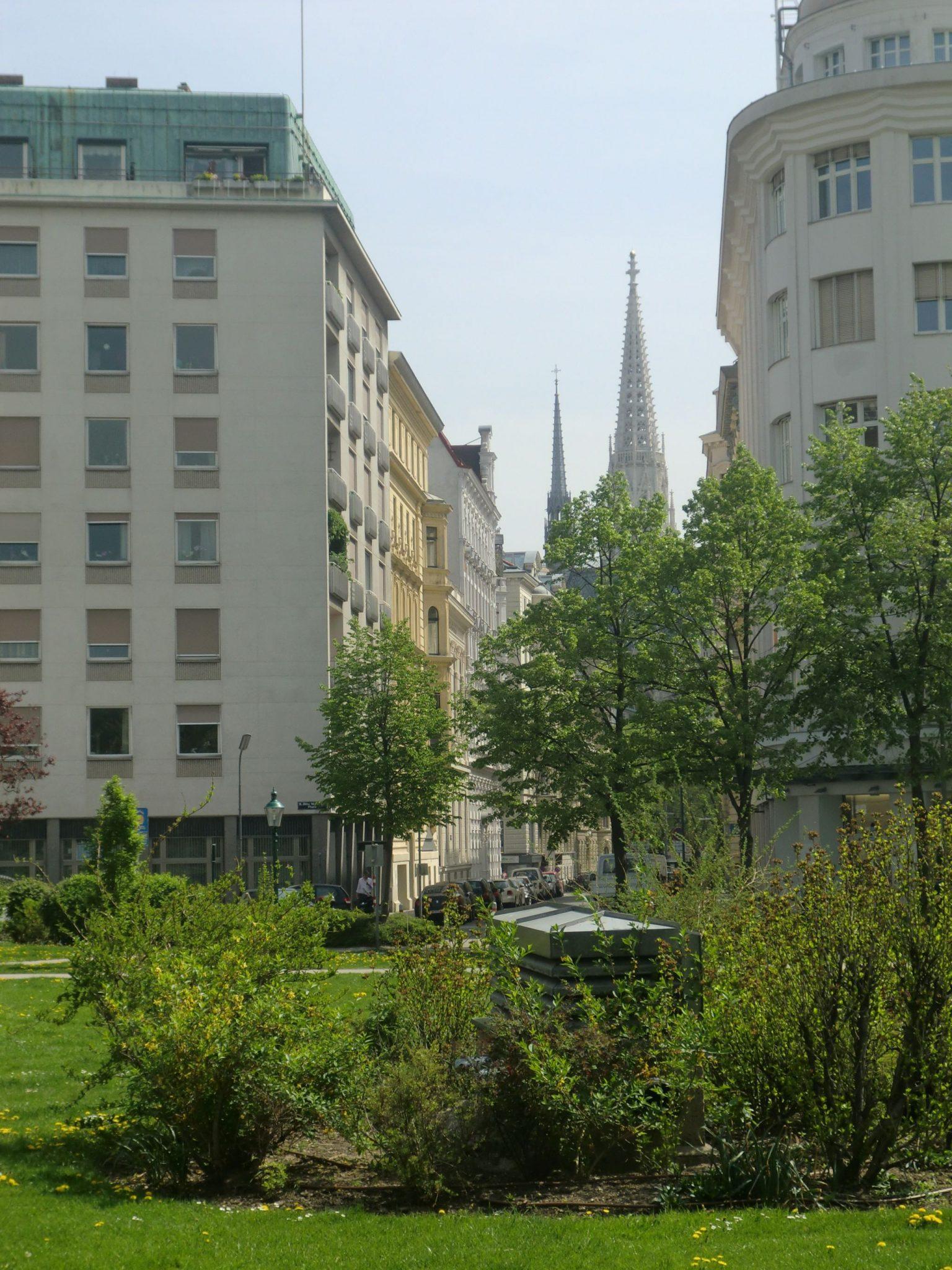 Vienna park 1 1440x1920 - Vienna: elegant beauty