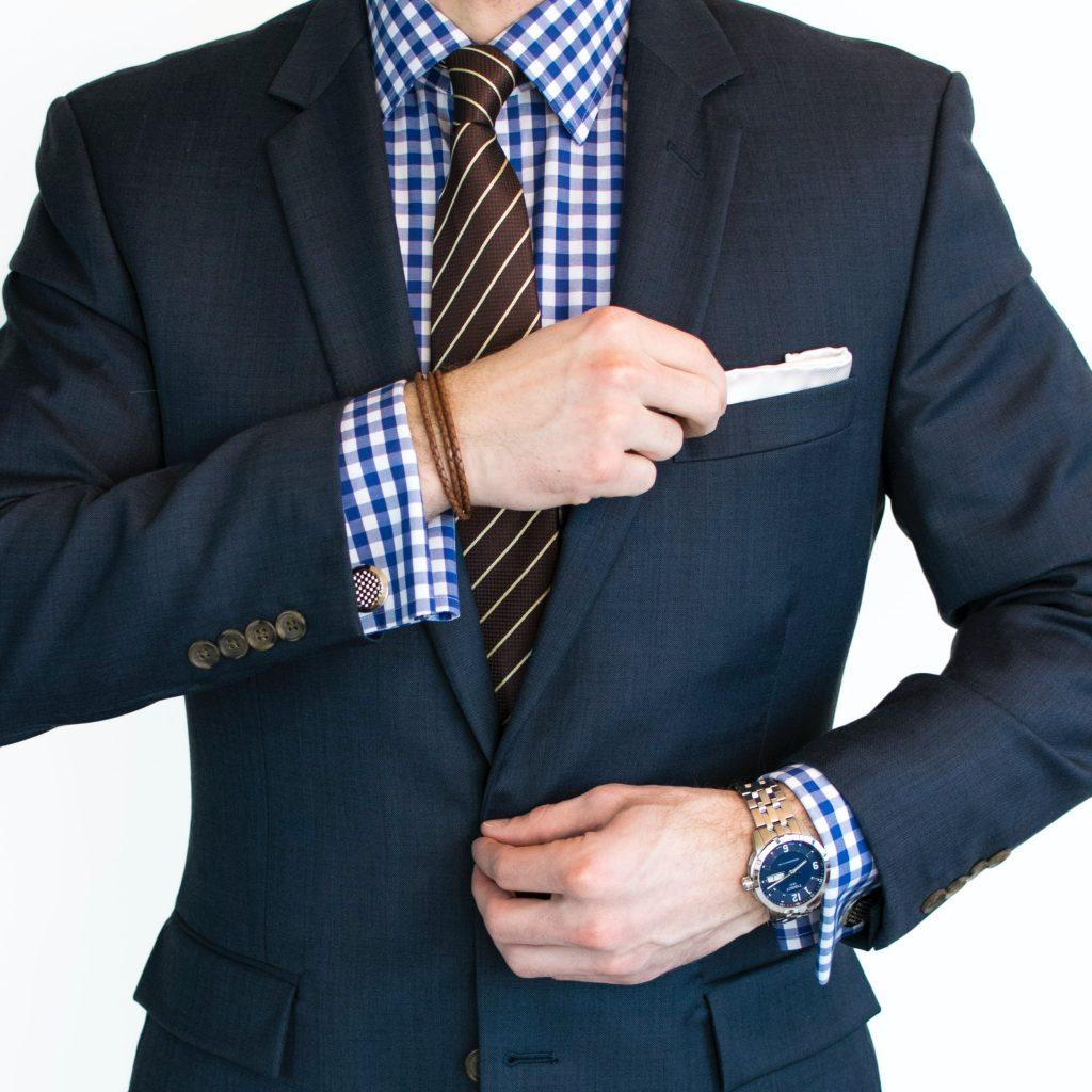 Accessori uomo 6 consigli per un uomo elegante con Antica Seteria Comasca