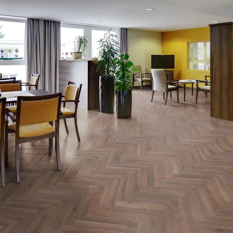 Project Floors PW3610-HB Fischgrät-Planken_Raum5