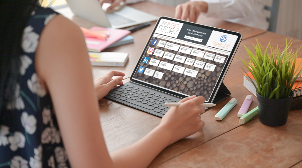 Using a custom digital dashboard