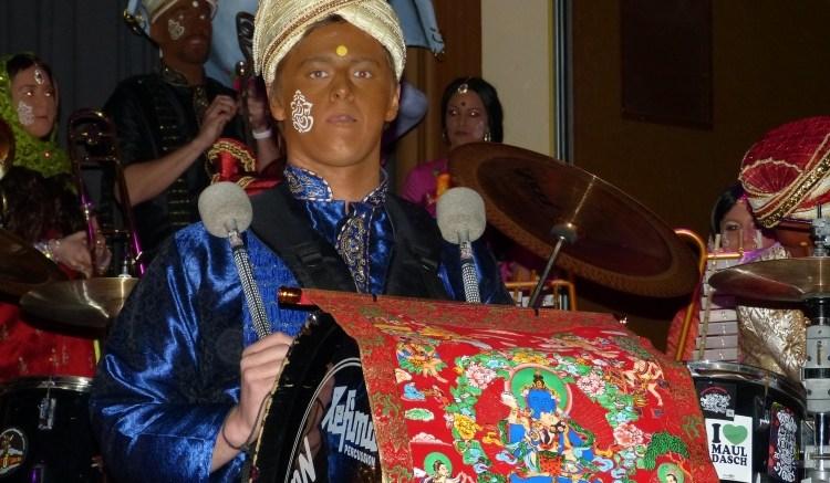 Guggenmusiker der Nuilermer Schlierbachfetzer im neuen Kostüm
