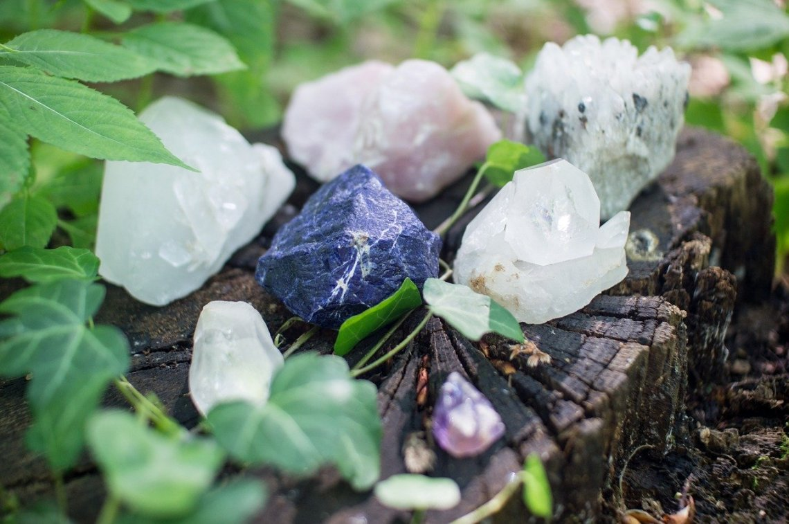 the benefits of crystals in your skincare
