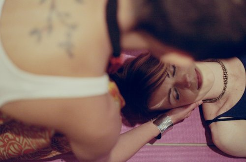 how to have a Thai massage at home