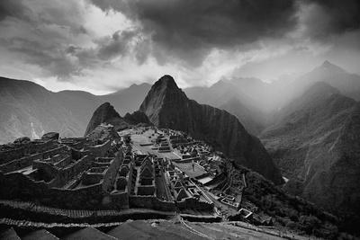 jim-richardson-the-pre-columbian-inca-ruins-of-machu-picchu_u-l-pwe4vw0