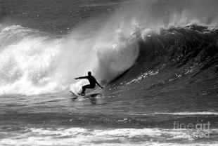 black-and-white-surfer-paul-topp