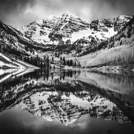 monochromatic-maroon-bells-colorado-mountain-landscape-1x1-gregory-ballos