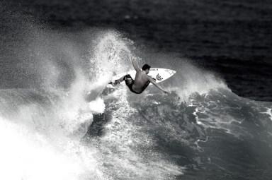 SURFING-black-white-photography-surf-photos-photo-de-surf