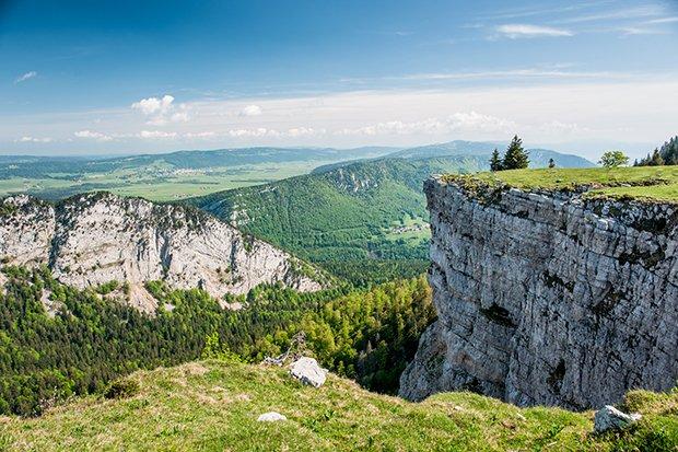 горный массив Юра в Швейцарии