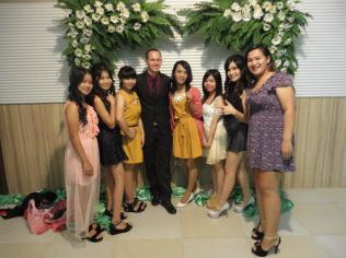 me with the girls ;)