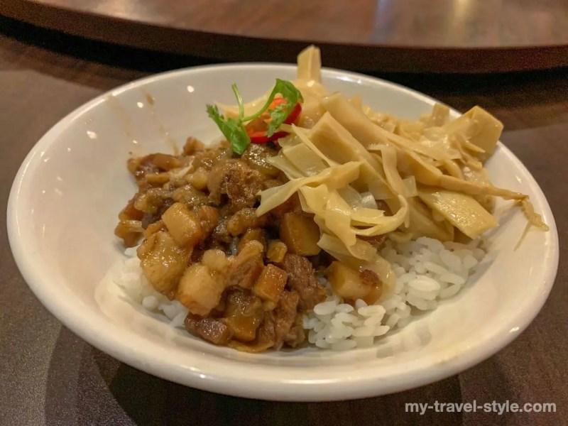 赤崁担仔麺のグルメ