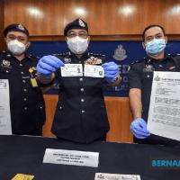 Polis tahan 'Datuk' palsu dan penyamar Kerabat Diraja Kelantan