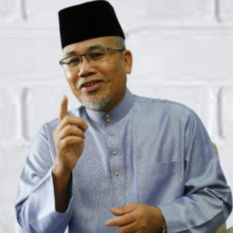 Dato Ahmad Nazlan Idris