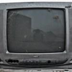 【テレビ液晶画面に指紋がビッシリ】汚れすぎてヤバイ……簡単に落とせる3つの方法?