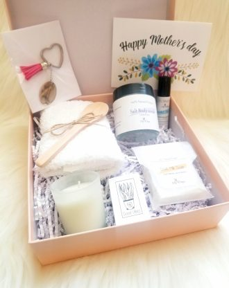 Mothers day gift package, relaxation spa gift, send a gift set, mother's day gift basket, best mom ever, gift for mom, custom mom gift box.