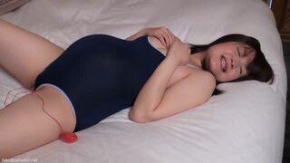 ボデ腹妊婦がスク水コスプレで寝取られセックス!上目使いでチンポもしっかりしゃぶりますw